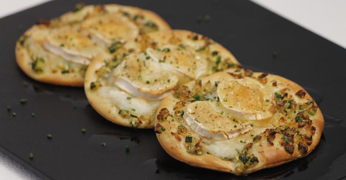 Mini cocas de calabacín, cebolla y queso de cabra - mychef