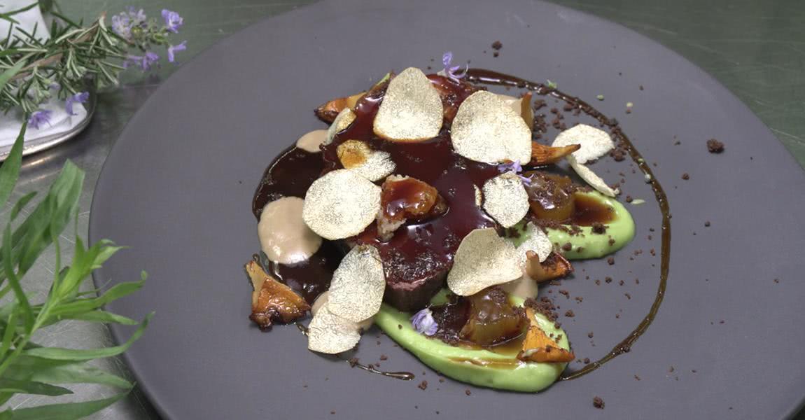 Llata con aguacate trufado y salsa de boletus edulis - mychef