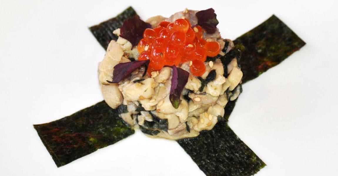 Tartar de esturión con alga nori y huevas de salmón - mychef